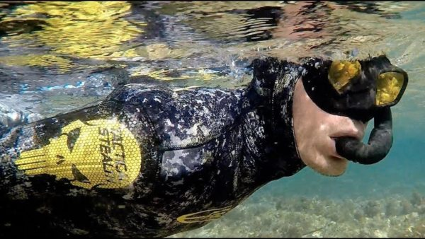 Epsealon Tactical Stealth wetsuit in water