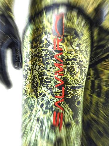 Salvimar Kromick wetsuit logo