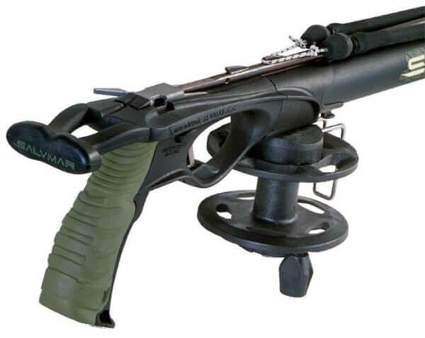 Salvimar Metal speargun reel on gun