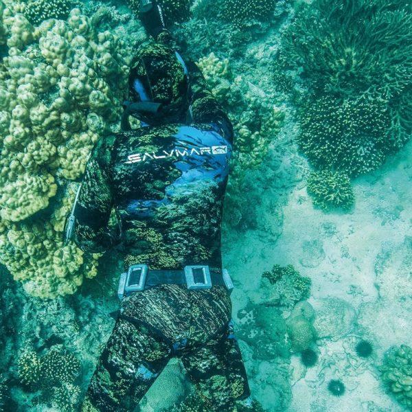 Salvimar Equator wetsuit in water